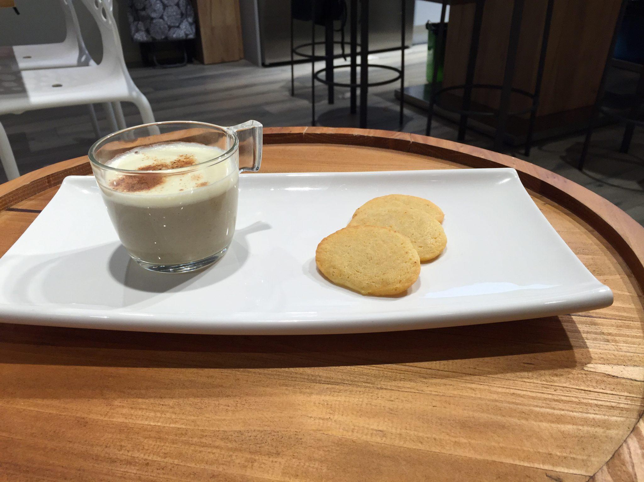 Trampantojo de leche con galletas