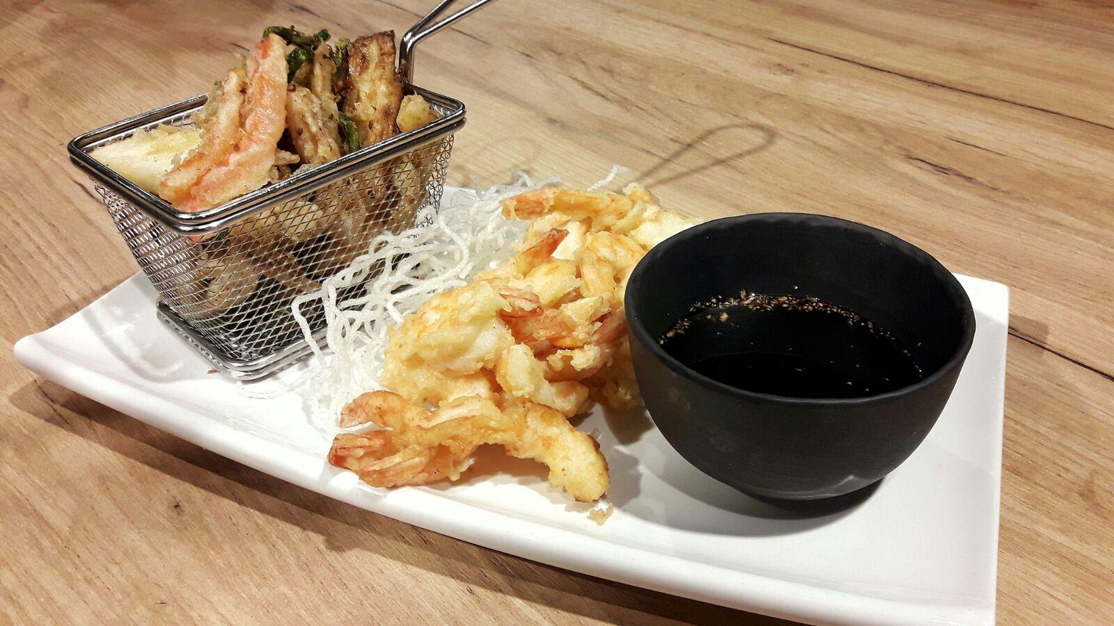 Receta de La Zarola de tempura de verduras y langostinos.