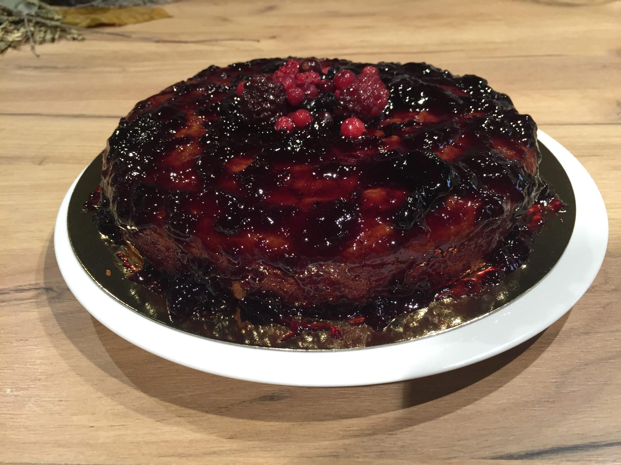 tarta de cerveza negra y frutos rojos