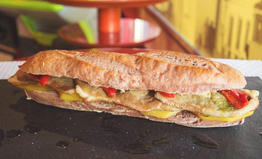 Bocadillos, Café Chipre
