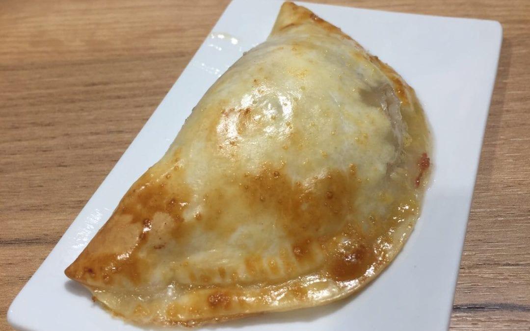 Receta de empanadilla de cerdo con corazón fundente de queso de cabra