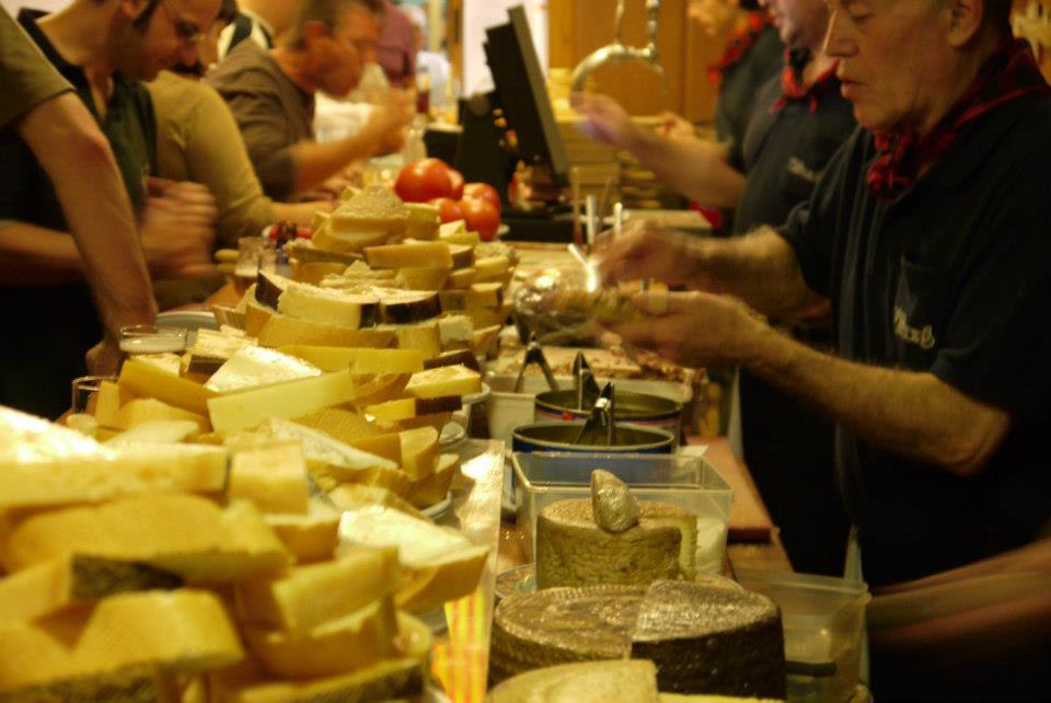 6 sitios donde comer deliciosos quesos en Zaragoza