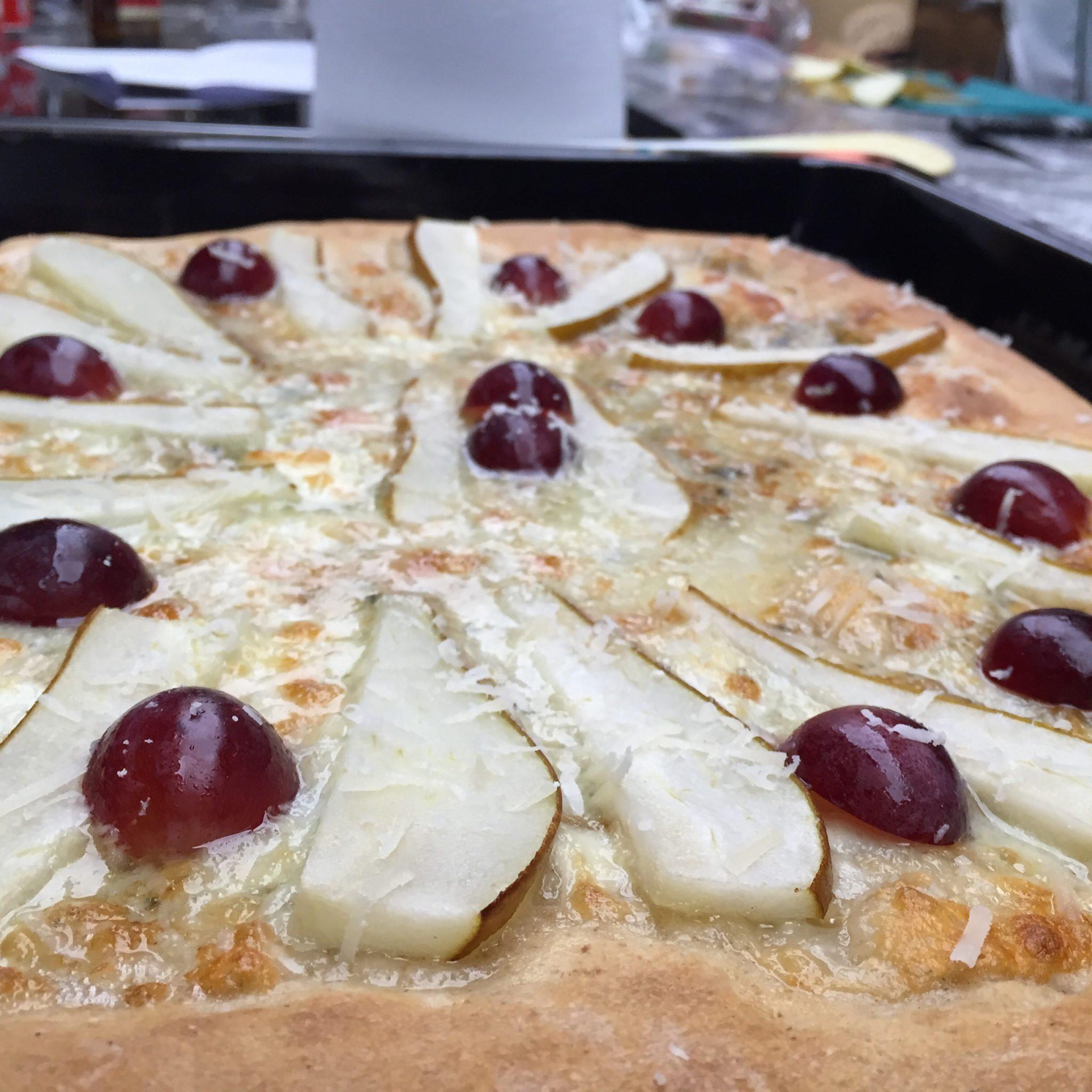 Curso-de-pizzas-de-La-Zarola-16-de-julio_pizza-de-peras-y-roquefort