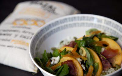 Receta: Ensalada de arroz con melocotón de Calanda y albahaca