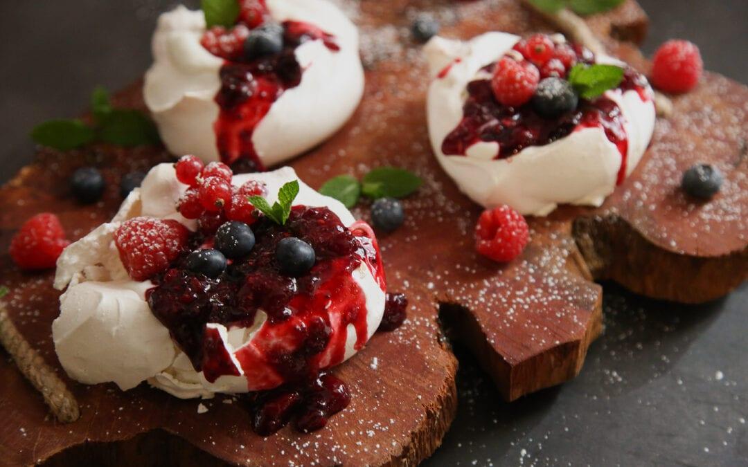 Receta: Pavlova con frutos rojos