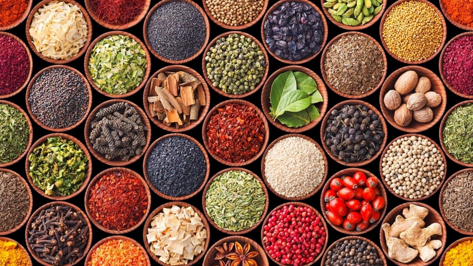 Conoce los tipos de hierbas y especias para cocinar - La Zarola