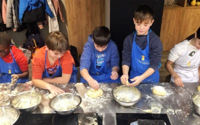 Vuelven los cursos de cocina para niños y adolescentes en Semana Santa en La Zarola