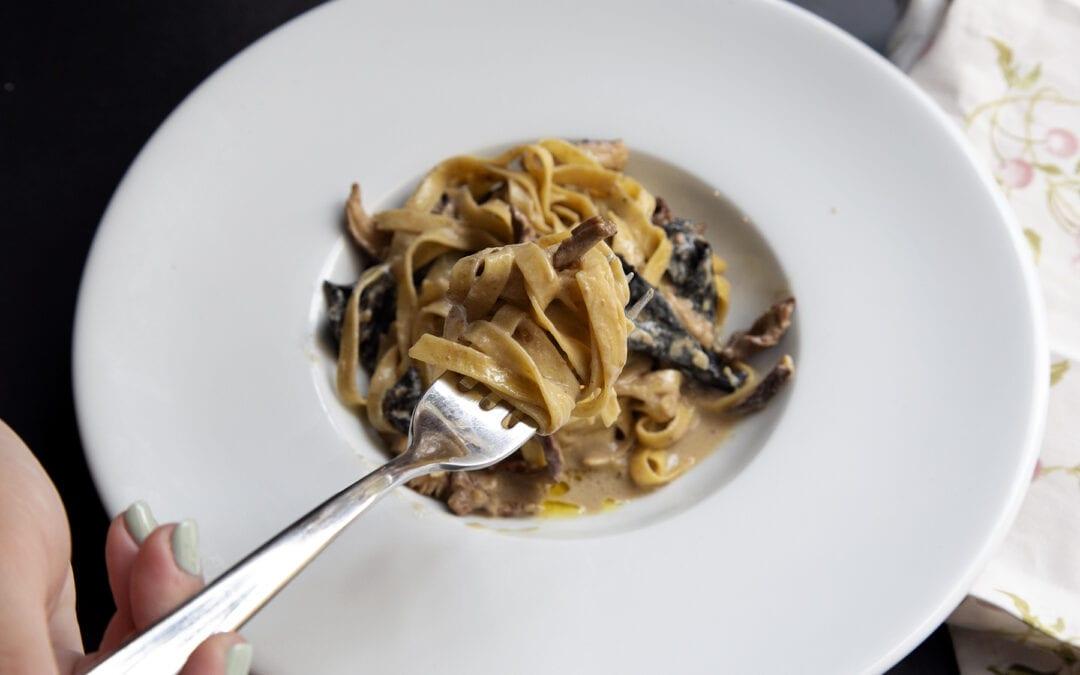 Receta: Pasta con mezcla de setas deshidratas y aceite trufado
