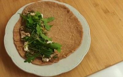 Receta saludable: Piadina con boquerones, rúcula, burrata y salsa chimichurri