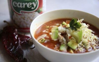 Receta: Pozole rojo o sopa de maíz mexicana